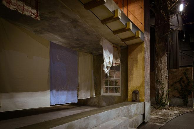 https://www.brandwachtenmeijer.nl/wp-content/uploads/2017/10/Anne-decor-theater-straatbeeld-dagboek-boekenkast.jpg